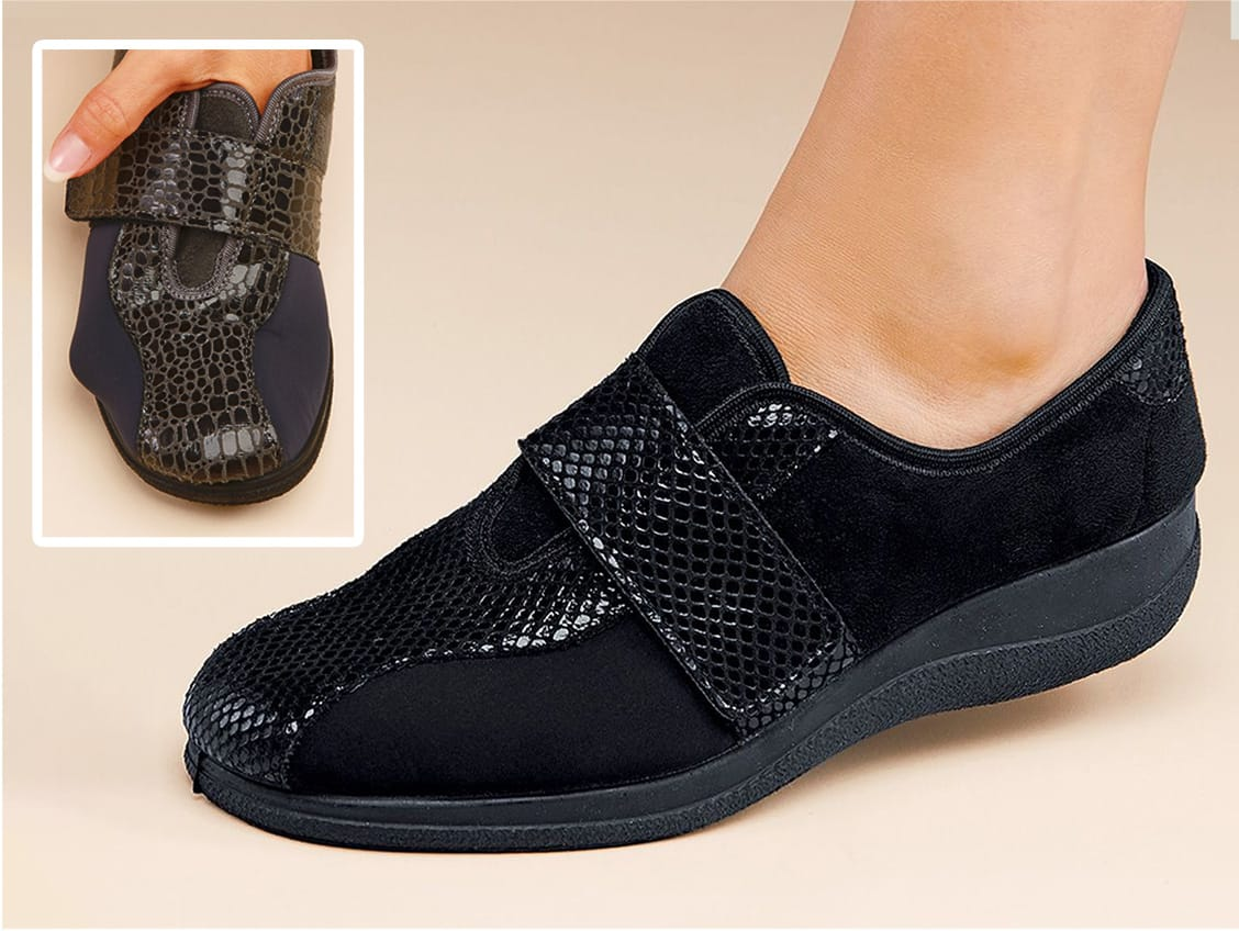 Extra wide comfort shoes